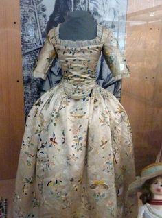 18th century girl's dress