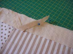 El Patchwork de Mi Casa: Cambiador de Bebé Diy Nappy Bag, Baby, Scrappy Quilts, Bag, World, Baby Sewing, Sewing Patterns, Baby Changer, Little Cottages