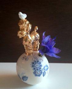 Poedel vaas.  dog vase :-) for one small flower. design #lammersenlammers #dutchdesign #studiodewinkel