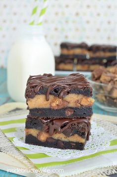 #RECIPE - Chocolate Peanut Butter Cheesecake Cookie Bars