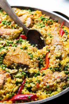 Arroz con pollo: Spanish Chicken with rice - David Lebovitz Rice Recipes, Chicken Recipes, Cooking Recipes, Oven Recipes, Turkey Recipes, Spanish Chicken, Pollo Spanish, Italian Recipes, Mexican Food Recipes