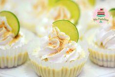 postre de limón fácil. 240 ml leche condensada 240 ml leche evaporads 240 ml nata de cocina 5-8 limones galletas maria Mini Cheesecakes, Mini Pies, Mini Cupcakes, Cupcake Cakes, Molten Cake, Lemon Dessert Recipes, Cheesecake Cookies, Amazing Cakes, Bakery