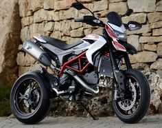 the jilted rat Speed Force, Ducati Hypermotard, Motosport, Street Bikes, Vintage Bikes, Vroom Vroom, Bad Boys, Cars And Motorcycles, Motorbikes