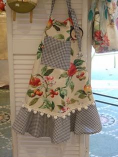 floral and gingham - so pretty