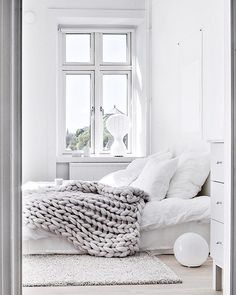 Chunky grey throw for a bedroom