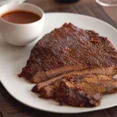 Without low and slow smoke, a brisket is just a tough beef roast. The secret of barbecue is in the reaction between protein and natural wood smoke. Pork Brisket, Smoked Brisket, Roast Beef, Texas Brisket, Pork Recipes, Crockpot Recipes, Cooking Recipes, Healthy Recipes, Recipies