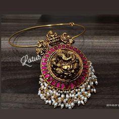 Indian Bridal Jewelry Gold Temple Jewellery 16 New Ideas Gold Temple Jewellery, Silver Jewellery Indian, Gold Jewellery Design, Gold Jewelry, Jewelery, Jewelry Rings, Gold Plated Jewellery, Antique Jewelry, Topaz Jewelry