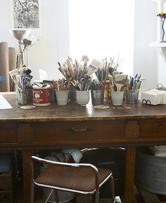 Creative Art Studio Organization Ideas For Workspace Desks 87 Creative Arts Studio, My Art Studio, Dream Studio, Studio Desk, Studio Spaces, Art Studio Organization, Organization Ideas, Workspace Desk, Art Desk