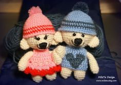 2 Stuffed Bears Amigurumi in Love, unique crochet Teddy Couple, girl and boy bears, with 3D heart brooch and flag  I Love You