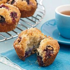 Who doesn't love classic blueberry muffins? Our low-calorie version contains oats, making it an even more satisfying diabetic breakfast.