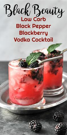 Black Beauty - Low Carb Black Pepper Blackberry Vodka Cocktail via Black Beauty - This Black Pepper Blackberry Low Carb Vodka Drink is delightfully refreshing and surprisingly low in carbs. It is destined to become your new favorite summertime cocktail. Low Carb Cocktails, Beste Cocktails, Cocktail Recipes, Cocktail Drinks, Summer Cocktails, Alcohol Recipes, Real Food Recipes, Low Cal Drinks Alcohol, Drinks With Vodka