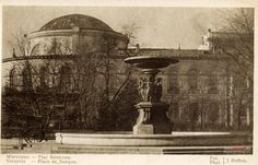 1930-1940 , fountain and the building of the Bank of Poland.
