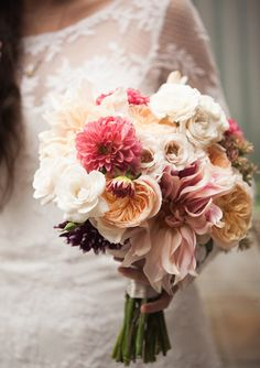 garden rose & dahlia bouquet | Photo by Lauren Ross | 100 Layer Cake