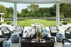 Hydrangea Hill Cottage: Mario Buatta in Southampton