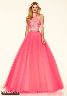 Shop classic ball gowns and ball gown prom dresses at PromGirl. Ballroom gowns, long formal dresses, designer prom ball gowns, plus-sized ball gowns, and ball gown dresses. Mori Lee Prom Dresses, Cute Prom Dresses, Prom Dresses Online, Dressy Dresses, Dresses 2016, Pageant Dresses, Dress Casual, Bridesmaid Dresses, Two Piece Quinceanera Dresses