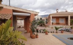 Reduced to 226999€! Lovely 3 bed house with pool and amazing views. Visit http://www.livespainforlife.com/property/4013/country-house/resale/spain/albatera/albatera/ for more details