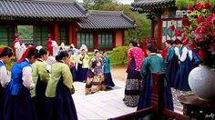 1_(4).jpg (743×417)인원욍후 오연서  숙빈최씨  방문Dong Yi(Hangul:동이;hanja:同伊) is a 2010 South Korean historical television drama series, starringHan Hyo-joo,Ji Jin-hee,Lee So-yeonandBae Soo-bin.About the love story betweenKing SukjongandChoi Suk-bin, it aired onMBCfrom 22 March to 12 October 2010 on Mondays and Tuesdays at 21:55 for 60 episodes.cal television drama series, starringHan Hyo-joo,Ji Jin-hee,Lee So-yeonandBae Soo-bin.About the love story betweenKing SukjongandChoi…