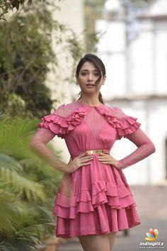 Top 5 Tips for a Successful Bikini Photo Shoot Indian Actress Photos, South Indian Actress, Indian Actresses, South Actress, Beautiful Models, Beautiful Celebrities, Beautiful Actresses, Beautiful Bollywood Actress, Most Beautiful Indian Actress