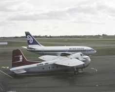 Safe Air Bristol 180 and Air New Zealand Boeing 737 at Christchurch, image Mannering and Associates Limited Australian Airlines, Air New Zealand, Commercial Aircraft, Civil Aviation, Airplanes, Bristol, Teal, Birds, Videos
