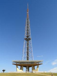 Brasilia TV Tower - Wikipedia, the free encyclopedia Oscar Niemeyer, Tower Building, Building Design, Paris Torre Eiffel, Communication Tower, Visit Brazil, Unusual Buildings, Tower Design, Paraiba