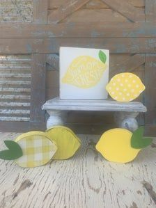 Lemon Crafts, Lemon Wreath, Summer Signs, Dollar Tree Crafts, Wood Creations, Bee Happy, Hot Days, Tray Decor, Wooden Signs
