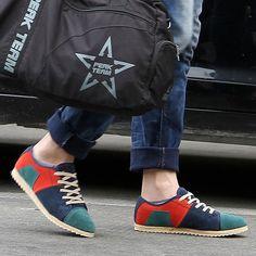 casual men\'s shoes