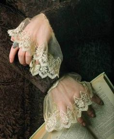 Elizabethan style sheer ivory lace cuffs from Victorian Trading Co. Yennefer Of Vengerberg, Lace Cuffs, Linens And Lace, Costume Accessories, Fashion Accessories, Fashion Details, Henna, Delicate, Fancy