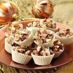 sm - karamelové košíčky Christmas Candy, Christmas Baking, Russian Recipes, Holiday Cookies, Mini Cupcakes, Cake Cookies, Baked Goods, Sweet Recipes, Sweets