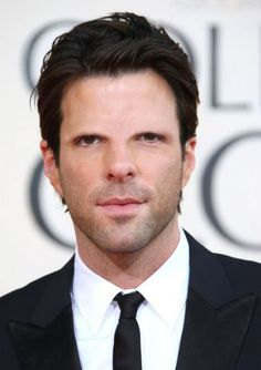 Zachary Quinto, is an American actor and film producer. / é um ator e produtor de cinema americano. Celebrities Without Eyebrows, Guys Eyebrows, Thick Eyebrows, Eye Brows, Male Celebrities, Zachary Quinto, Beautiful Men, Beautiful People, Chris Pine