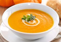 Velouté butternut with thermomix. I propose a butternut velouté recipe, easy and quick to make at home with the thermomix. Best Pumpkin Soup Recipe, Spicy Pumpkin Soup, Butternut Soup, Pumpkin Beer, Apple Soup, Spicy Recipes, Soup Recipes, Sweet N Spicy, Smoking Recipes