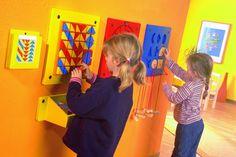 23700 Beleduc Speelwanden voordeelcombinatie.  Deze mooie Speelwanden combinatie voordeelset van Beleduc maakt uw wachtruimte of kinderdagverblijf compleet. Deze speelwand van Beleduc is van hoogwaardige kwaliteit en deze spelpanelen bevorderenden de creativiteit, inzicht en fantasie van kinderen.   U kunt deze speelwanden en nog veel meer andere speelwanden en kindermeubels bestellen bij Kidsplaytables.nl