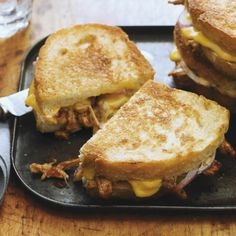 Look at this Pulled Pork & Red Onion Melt ... are you drooling yet? #recipe #cheese #americanfood #entertaining