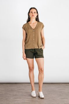 Boxy cut shirt - Women's | Nora Gold Geo by Bridge & Burn