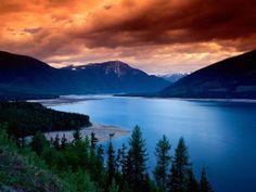 Mountain, lake and sky beauty