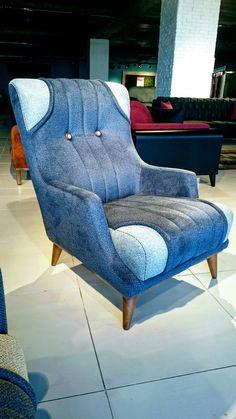 Sofa Set Designs, Sofa Design, Furniture Design, Metallic Paint Colors, Sofa Chester, Silver Living Room, Diy Cardboard Furniture, Leather Reclining Sofa, Diy Wood Projects