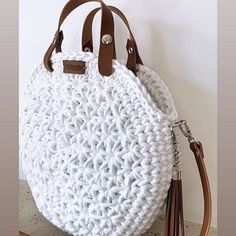 Best 12 Boho Crochet Bags – how to make your own OOAK bag – MotherBunch Crochet – SkillOfKing.Mochila bag with circle handles – ArtofitPin by Alice on Kleidung No instructions; Crochet Shoes, Crochet Clothes, Knit Crochet, Chrochet, Crochet Handbags, Crochet Purses, Crochet Bags, Crochet Shoulder Bags, Crochet Circles