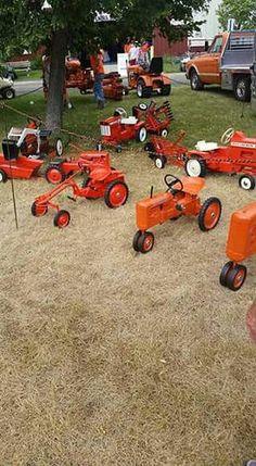 Pedal Tractor, Pedal Cars, Vintage Tractors, Old Tractors, John Deere Decals, Allis Chalmers Tractors, Case Tractors, Tractor Pulling, Farm Toys