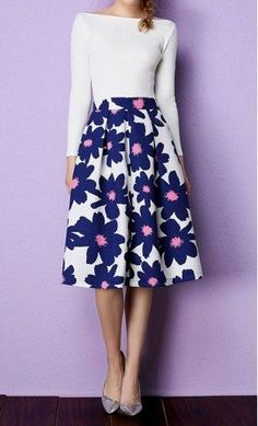 Daisy high waist A-line floral pleated midi skirt in Blue.