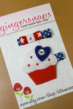 Patriotic Cupcakes, Holiday Hair Bows, Ginger Snaps, Bow Hair Clips, Hairbows, How To Make Hair, Fabric Flowers, 4th Of July, Ribbon