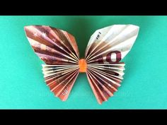Banknotes Fold Heart - Money gifts are tinkering with the wedding - Money simply folds: Origami Hear Folding Money, Origami Folding, Diy Origami, Origami Tutorial, Origami Paper, Origami Instructions, Origami Heart, Origami Butterfly, Butterfly Gifts