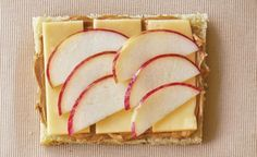 Apple, Cheddar & Peanut Butter: the perfect combination of sweet and savory!