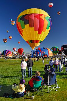 Balloon Fiestas - New Mexico Tourism - Hot Air Balloon Festivals - New Mexico Tourism - Travel & Vacation Guide