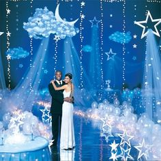 A Universe of Stars Kit includes five large 25 in. hanging stars with light blue netting, nine small 5 in. hanging stars and five floor stars that measure between 11 in. Dance Themes, Prom Themes, Wedding Themes, Star Wars Party, Star Party, Balloon Clouds, Balloons, Star Decorations, Wedding Decorations