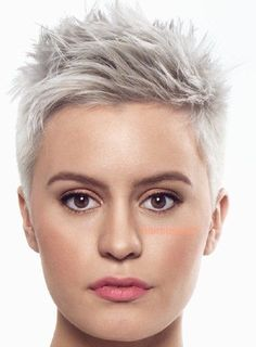 - Trend Hair Makeup And Outfit 2019 Funky Short Hair, Super Short Hair, Short Grey Hair, Short Hair Cuts For Women, Black Hair, Short Pixie Haircuts, Pixie Hairstyles, School Hairstyles, Quick Hairstyles