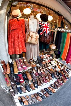 Lots of shoes on sale at the Mocha boutique on Cat Street in between Harajuku and Shibuya. This shop is related to Romantic Standard. Amazing Store, Vogue, Tokyo Fashion, Uk Fashion, Street Fashion, Afro Punk, Japanese Fashion, Style Guides, Vintage Fashion