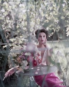 Babe Paley in a Mainbocher evening dress. Photographed by Norman Parkinson, Vogue, 1952.