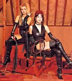 Two Boots, High Boots, Horse Riding Boots, Leder Outfits, Female Supremacy, Vintage Boots, Latex Girls, Erotic Photography, Pumps