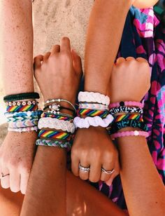 i want to make a friendship bracelet with someone :( :))