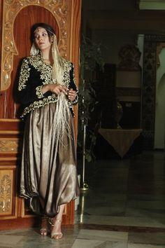 unique haute couture | Vidéo sur la Fabrication du Karakou : Forum Dziriya.net