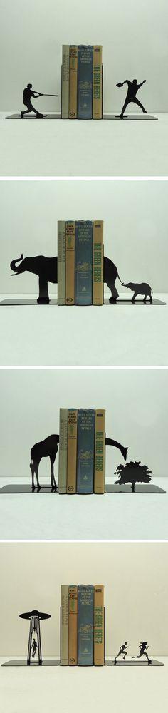 AKnob Creek criou uma forma simples e criativa de organizar seus livros e ainda deixar a estante com um visual lindo: